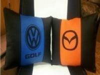 Подушка с логотипом Volkswagen